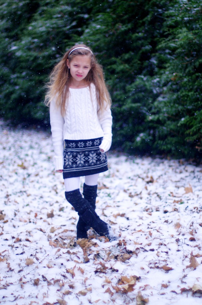 Fashion Inspired: Girl's sweater skirt outfit